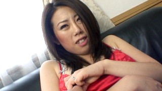 Amateur Asian MILF Lusts for BlowJob