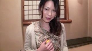 Amateur Asian BigBooty MILF
